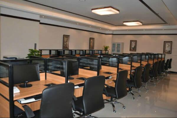 京城贷公司办公区域监控及工位前的电话通讯与网络安装