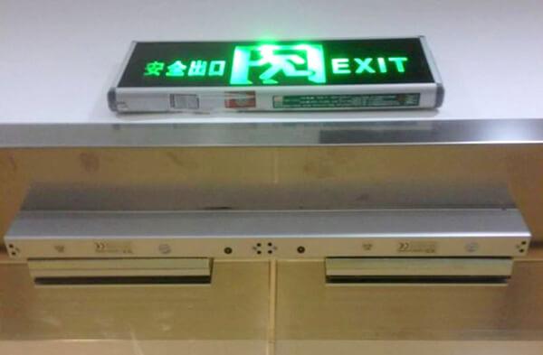 电磁锁安装效果图